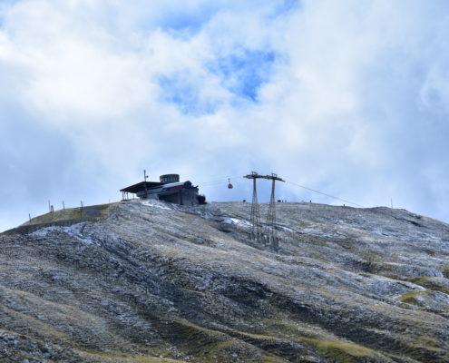 Der Alpentower ist schön gezuckert vom frischen Schneeli